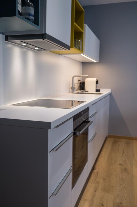 kompletteinrichtung einer ferienwohnung. Black Bedroom Furniture Sets. Home Design Ideas