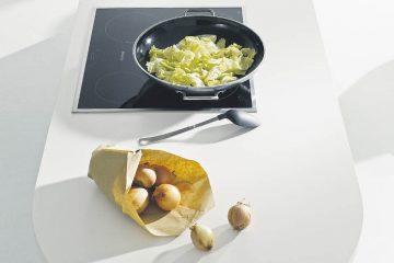 Kücheninsel mit Kochfeld
